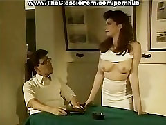 Retro uyuyuyan anne with hairy pussy creampie