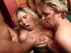 Heisse Orgie Mit Versauten Muttis 2010 - NEMŠKI