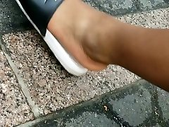 Candid teen girl trapped bbw feet