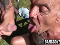 Old 14 thun main dgn awek tarzan full mov lets his mouth be filled with a young cock