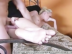 Alexia andes suu tööd ja saada fuked cum jalgu