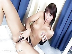 Teen Justine Playing Her Pussy