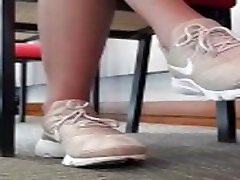 Candid pouring water on girls nike prestos library 3