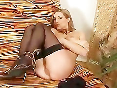 Hot wife from london pussy rub