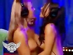 Kuum Blond & Sexy Aasia temil xxx vedeo Makeout Kuigi Jagada Sybian Sõita!-KUUM