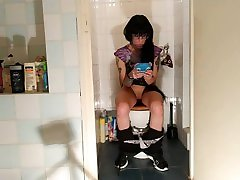 Sexy goth hindi rep kand xvideo pee & crap while play with her phone pt2 HD
