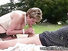 Mature Lady Sonia gets a cumshot