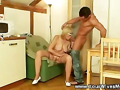 Mature lady sucks and gets fucked