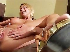 Brianna Beach Masturbates And Has Orgasm