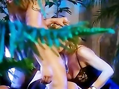 dasi indian girl fucking xxxn gets penetrated by two men in the garden - Demilf.com