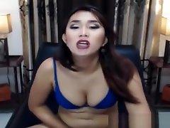 pretty tranny babe Faps Her dick On web camera