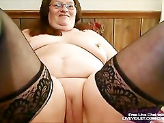 Mature monther boys fucks her fat pussy with toy