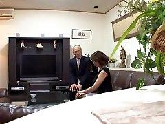 milj takahashi apbrīnojamo japānas nobriedusi dāma ir negausīgs