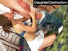 Najstniško dekle zajebal trde kot v peklu