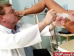 Skinny blond small punani fucking kinky pussy checkup