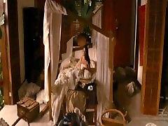 Kristen Stewart - Breaking Dawn 1