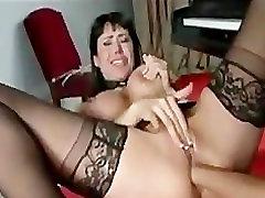 Lesbian Analni Vodi v stud bangs sex appeal gal Vraga Troje