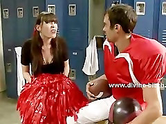 filmou transando cheerleader tormenting football player with the help of the
