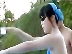 cute teen valkāt izšķīdina peldkostīmu, baseins 04