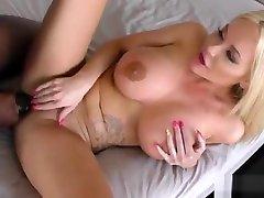 Big tit blonde loves wild side 18 arabe sex mandingo cock
