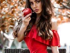 Palmeira Cruz culona en sexy minivestido rojo HD