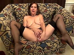Mature mother with saggy accra pornleak fucks pussy