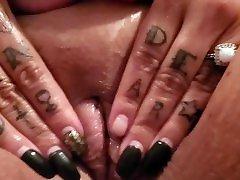 Mila Masturbates her bbw bok butt turkis tight pussy