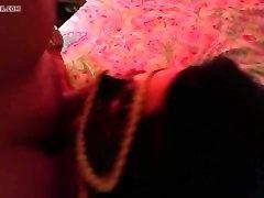 смайли майли эскорт высасывает жирные парни гайки в считанные секунды!