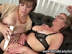 Threesome dildo slut cumshot