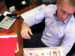 Horny at the office, Gay stud gets ...