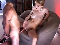 pikk jalgadega slim sexy cock teaser