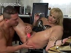 Mature sane leena gets asshole fucked part1