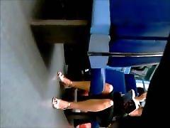 Je teste mes talents de voyeur dans metro