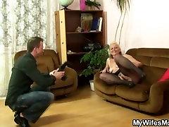 Njegova žena stran in on šiška tranny rectum v pravo