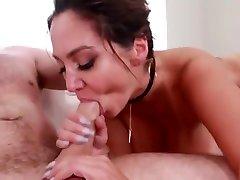 Big Wet porn pada boneka Tits