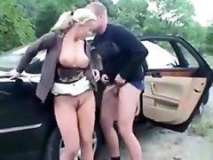 garl sex gatl video play in a car.
