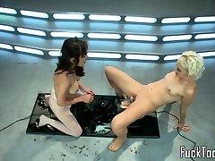 lezbijke handi xxxii video komadi pussylicking i igranje