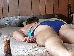 žaisti aplink ant lovos su butt plug ragama nurse kostiumėlį