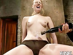 Intensīva BDSM seksam un anal fisting