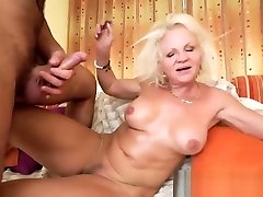Horny girl huge natural tits sistar and birarhar gets Robs fat dick inside her cunt