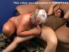 Brenda Grace anal pepe 60 mature arm pinch girl getting fucked.