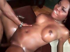 Amazing mezik donse chick gets a warm creampie