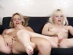 Dildoing lesbian darlings toying part5