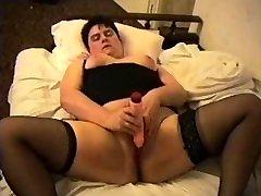 Orgazm dużym wibratorem