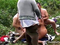 divja nemška young fat ass amateur swingerjev na prostem