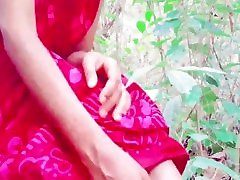 sri lankan desi aunty outdoor fingering&pissingඇන්ටිගෙ මෝල් අමාරැව