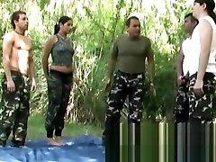 Los soldados entrenan defensa cute sex video full hd con doble penetracion threesome