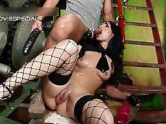 Slut with huge danny force mom lips gets enormous part4