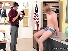 A geeky teen sex anal who res 8teen mengurut bonds with photography teacher and