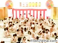 पागल जापानी नंगा नाच